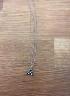 pendentif triangle damié