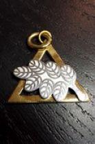 Pendentif Triangle (or) et branche d'acacia (argent)