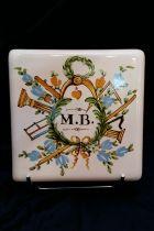 Sous-plat maçonnique (MB) en céramique
