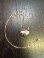 Pendentif pierre brute (+chaîne)