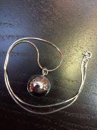 Pendentif sphère (+ chaîne)