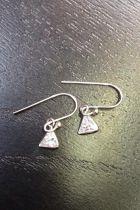 Boucles d'oreilles triangle plein brillant (petites)