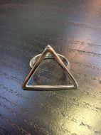 Bague triangle creux