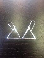 Boucles d'oreilles triangle creux grand modèle