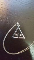 Pendentif en argent triangle avec l'oeil